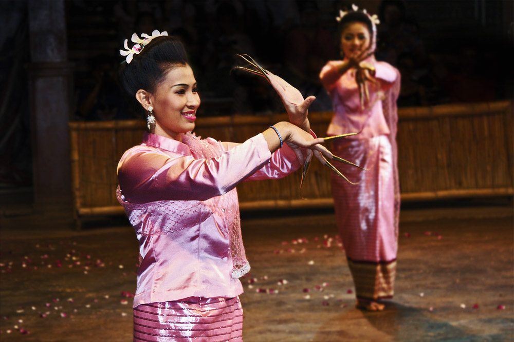 photoblog image Thai Dancers
