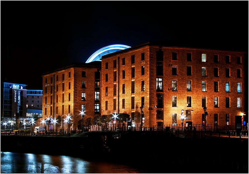 photoblog image The Albert Dock at Night
